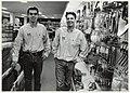 Ronald Bruin en Michel Eeken in hun ijzerzaak in Santpoort Noord. NL-HlmNHA 54050199.JPG