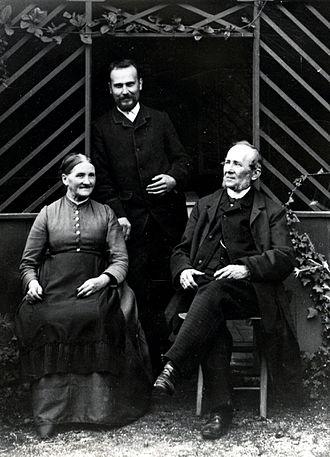 Glass Flowers - Rudolf (standing) and Leopold Blaschka