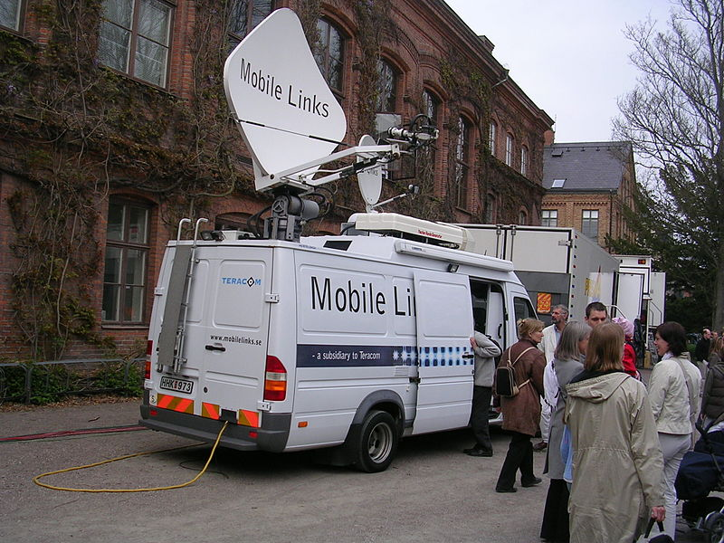 File:Sändningsbil från Teracom Mobile Links.jpg