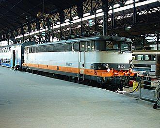 Mantes-la-Jolie–Cherbourg railway - Intercity train at Saint Lazare.