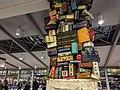 Sacramento Airport Baggage Claim (25559712193).jpg