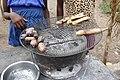 Safous et bananes grillés à Neves (São Tomé).jpg