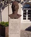 Schillerdenkmal in Oggersheim.jpg