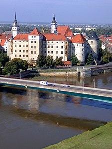 SchlossHartenfelsBrücke.JPG