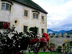 Schloss Veldthurns.jpg
