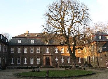 Schloss Wahn Innenhof 2.jpg