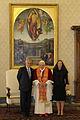 Sebastián Piñera y esposa, con el Papa Benedicto XVI.jpg