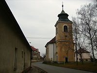 Semice kostel a skola.jpg