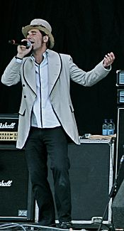 Serj Tankian Reading 2008.jpg