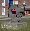 Sfäriskt monument av Bertil Gadö, skulptur i Malmö.jpg