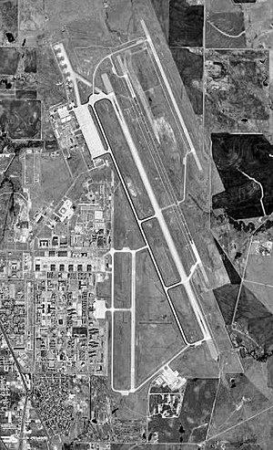 Wichita Falls Municipal Airport - USGS 1996 orthophoto