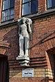 Speicherstadt (Hamburg-HafenCity).Block P.Statue.3.ajb.jpg