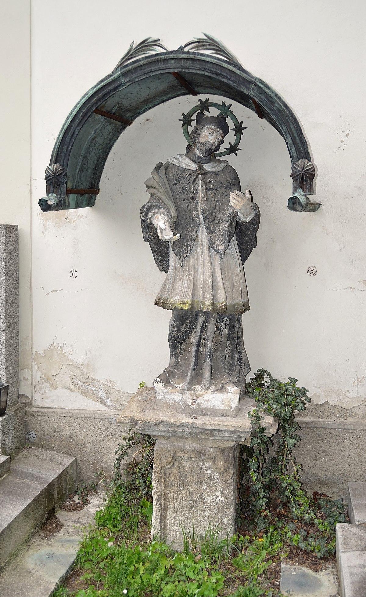 Datei:Statue John of Nepomuk, Schwechat cemetery.jpg ...