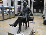 Statue of Brunel in London Paddington Station.jpg