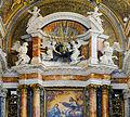 Statues of altar in Gesù e Maria (Rome).jpg