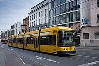 Straßenbahnwagen 2582 Dresden.jpg