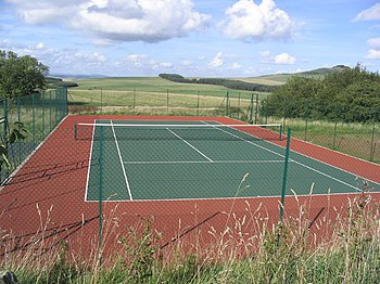 English: Tennis Court at Weensmoor