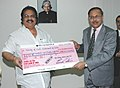 The Minister of State for Coal, Dr. Dasari Narayana Rao being presented a dividend cheque from the CMD of Coal India Ltd, in New Delhi on March 12, 2007.jpg
