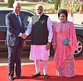 The Prime Minister, Shri Narendra Modi welcoming the Prime Minister of Malaysia, Dato' Sri Mohd Najib Bin Tun Abdul Razak at the ceremonial reception, at Rashtrapati Bhavan, in New Delhi on April 01, 2017 (1).jpg