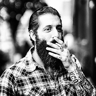 Hipster (contemporary subculture) - French hipster with a beard