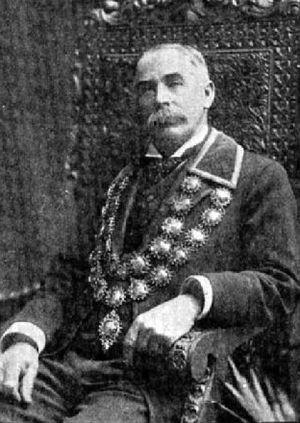 Thomas Gapes - Thomas Gapes wearing mayoral chains