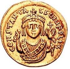 Goldene Münze mit der Darstellung des Kaisers