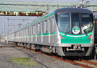 Tokyo Metro 16000 series - Set 16101 in November 2010