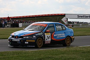 Motorbase Performance - Tom Ferrier driving the Motorbase-run SEAT at the Snetterton round of the 2007 British Touring Car Championship season.