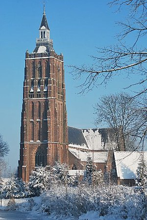 Asperen - Tower of the Protestant church in Asperen in the winter of 2010