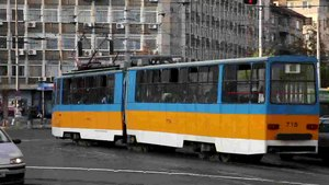 File:Trams and road cars at Macedonia square in Sofia.webm