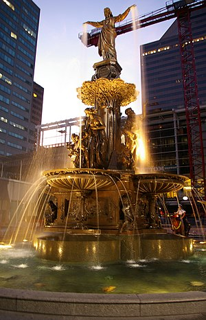 Tyler Davidson Fountain - Image: Tyler Davidson Fountain At Night
