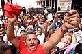 Venenzolano exige votar ante CNE 2004.jpg