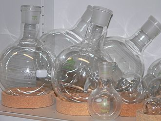 Round-bottom flask - Round-bottom flasks and cork rings