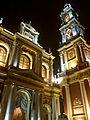 Vista nocturna de la Basílica de San Francisco, Salta.jpg