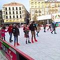 Vitoria - Plaza de la Virgen Blanca, patinaje navideño 4.jpg