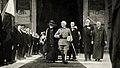 Vittorio Emanuele III e la regina Margherita all'uscita dal Pantheon dopo una messa in suffragio di Umberto I, Roma 1924.jpg