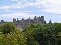 Vue extérieure de la cité médiévale de Carcassonne.jpg