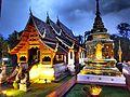 Wat Phra Sing au crépuscule.jpg