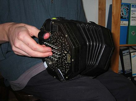 English concertina made by Wheatstone around 1920 Wheatstone English Concertina.jpg
