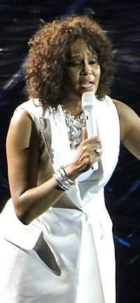 Whitney Houston 2010. április 28-án, Londonban