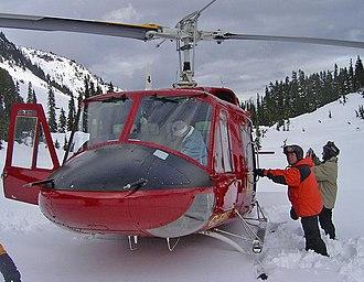 Heliskiing - Image: Wikipedia heliskiihng heliboarding