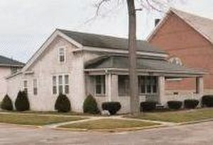 Will Cuppy - Will Cuppy's childhood home in Auburn, Indiana, in 2004.  Cuppy's maternal grandfather George W. Stahl built the house, later extensively modified, in 1851.