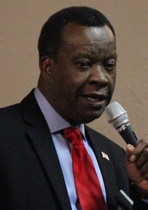 Willie Wilson at the Scott County Democratic Party Dinner (3) (cropped).jpg