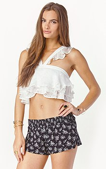 7440acb538763c Crop top - Wikipedia