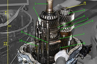 Manual transmission - 16-speed (2x4x2) ZF 16S181 — opened transmission housing (2x4x2)