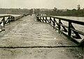 Zgłobice. Lipiec 1934. Uszkodzony most na Dunajcu podczas największej powodzi w Polsce międzywojennej.jpg