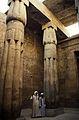 Ägypten 1999 (264) Tempel von Luxor- Sonnenhof des Amenophis III. (28045472600).jpg