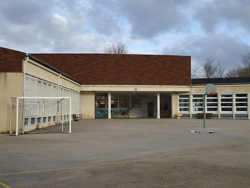 File:École primaire foucherans.JPG