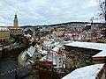 Český Krumlov, pohled na zasněžené centrum města.jpg