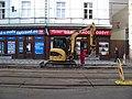 Štefánikova, rekonstrukce TT, u Arbesova náměstí, Caterpillar 304C.jpg